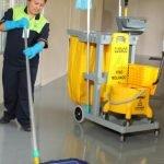 Saiba como escolher empresas de limpeza profissional em condomínios